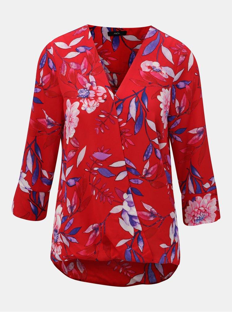 Červená květovaná halenka s překládaným výstřihem M&Co