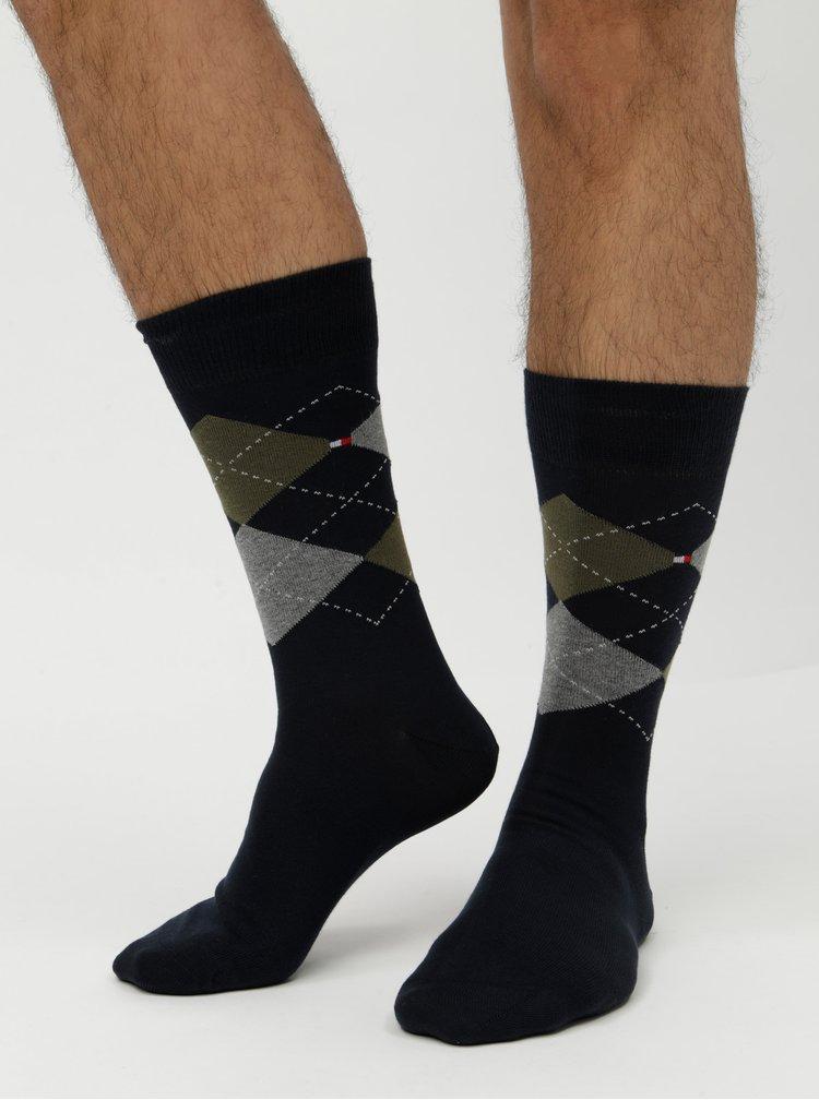 Balenie dvoch párov pánskych ponožiek v kaki a tmavomodrej farbe s kockovaným vzorom Tommy Hilfiger