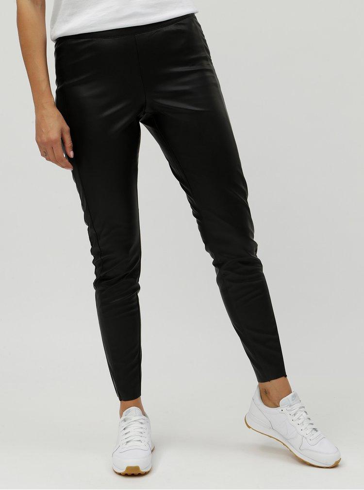 Čierne koženkové nohavice VERO MODA Cara