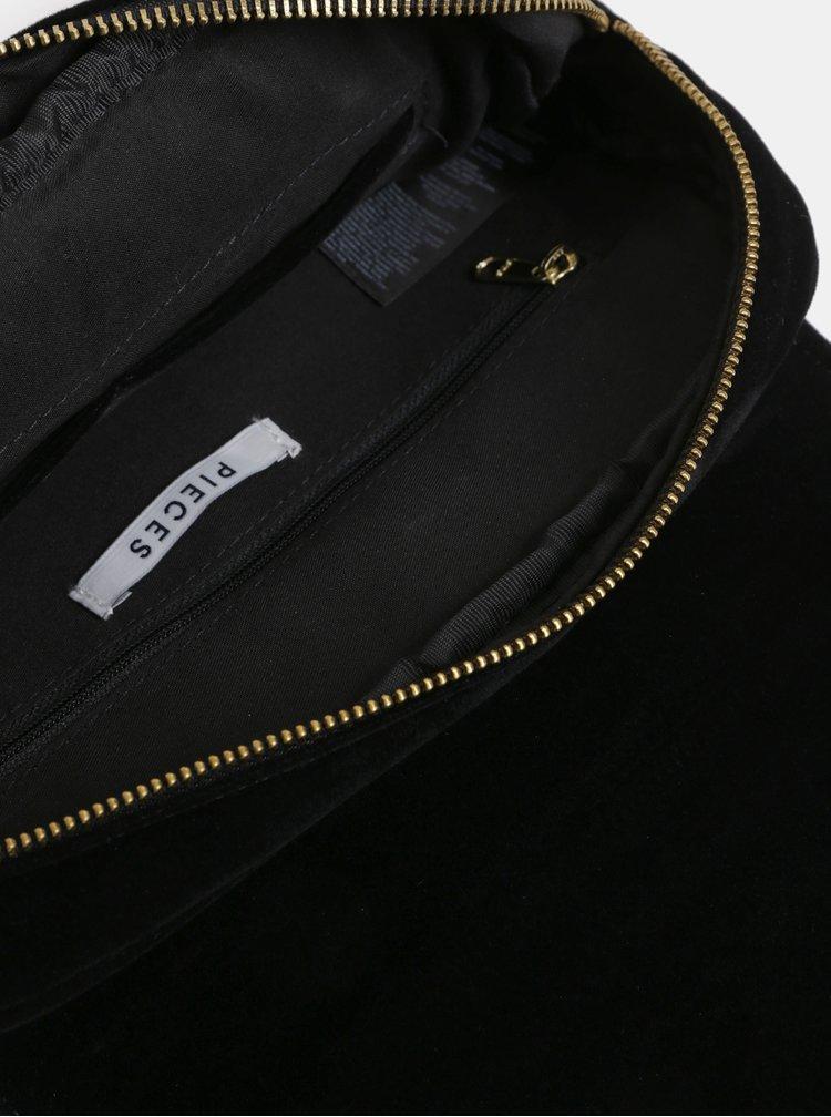 Čierna zamatová prešívaná crossbody kabelka Pieces Koribella