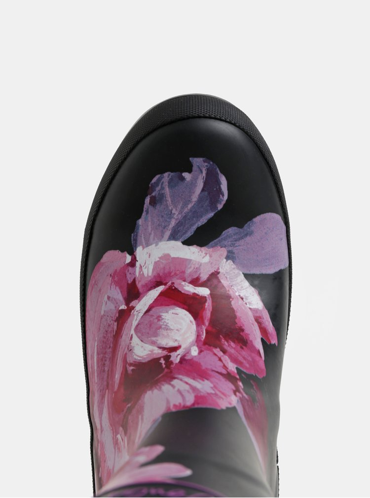 Ružovo–čierne dámske kvetované gumáky s ozdobnou prackou Tom Joule Molly