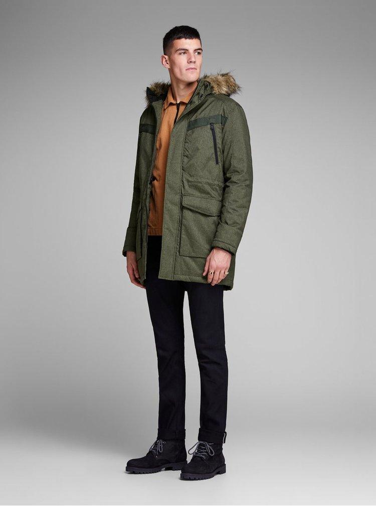 Tmavě zelená zimní bunda s umělým kožíškem Jack & Jones Earth
