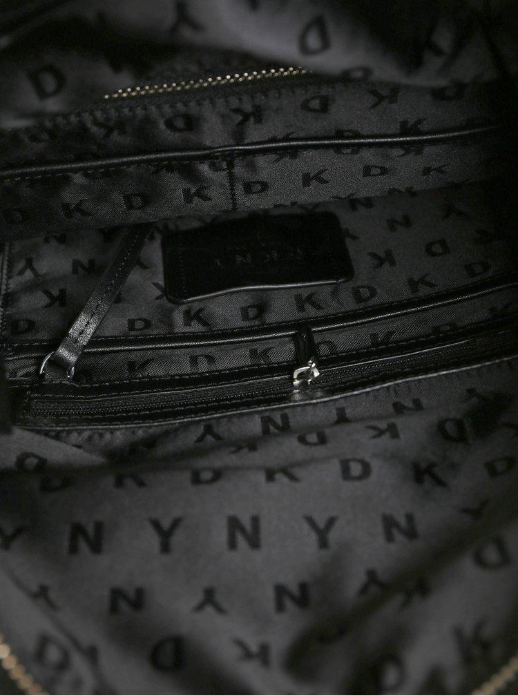 Černý batoh s plastickým logem DKNY Tilly