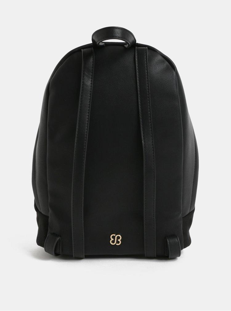 Čierny batoh v semišovej úprave s výšivkou Bessie London