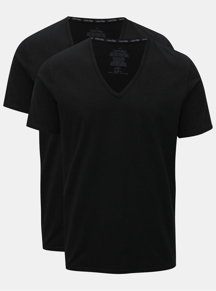 Sada dvou pánských černých slim fit basic triček pod košili Calvin Klein Underwear