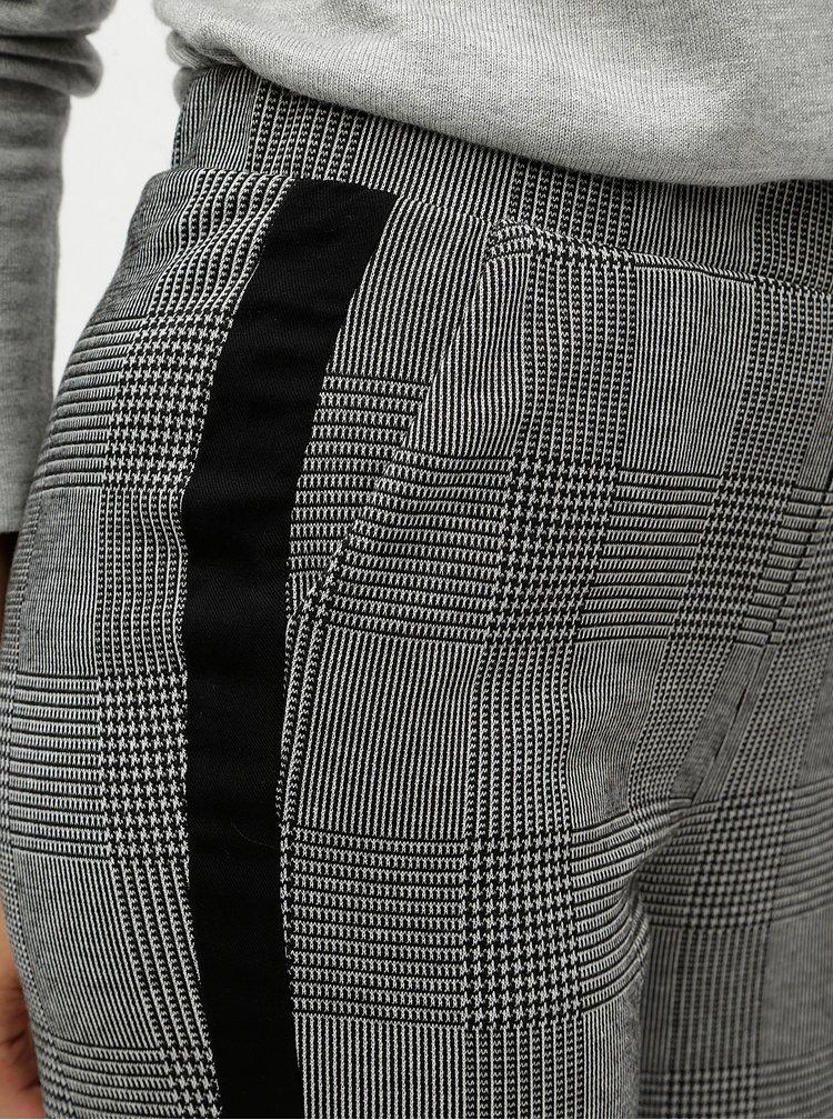 Pantaloni crop gri in carouri cu talie inalta ONLY Pollie
