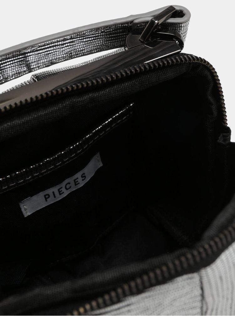 Malá crossbody kabelka ve stříbrné barvě Pieces Kitana