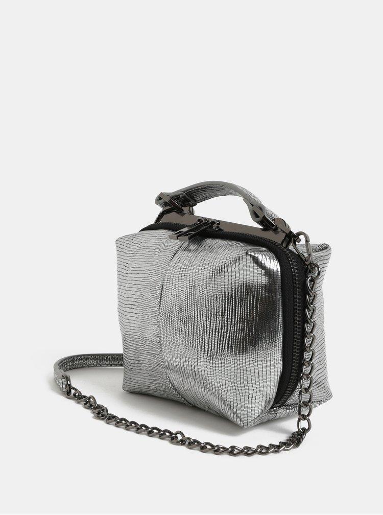 Malá crossbody kabelka v striebornej farbe Pieces Kitana