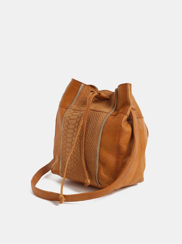 Hnedá kožená vaková kabelka so zvieracím vzorom Pieces Imi
