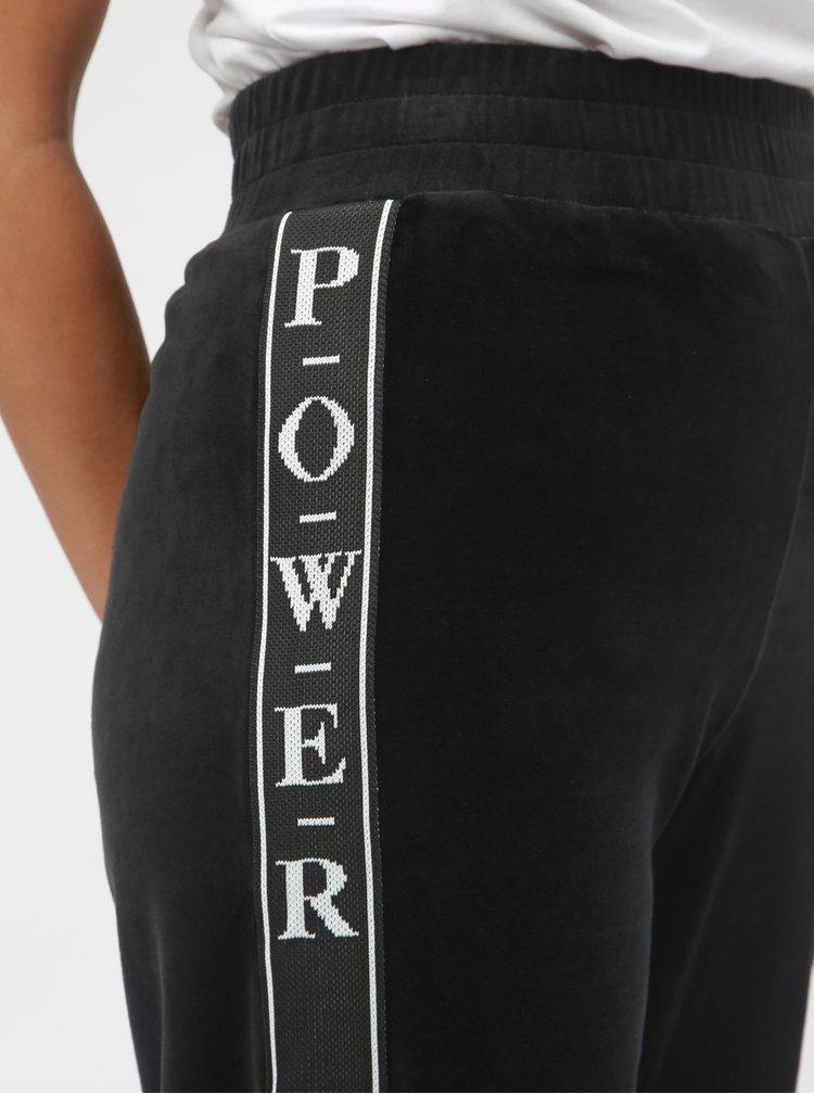 Černé sametové tepláky s pruhem na nohavicích TALLY WEiJL
