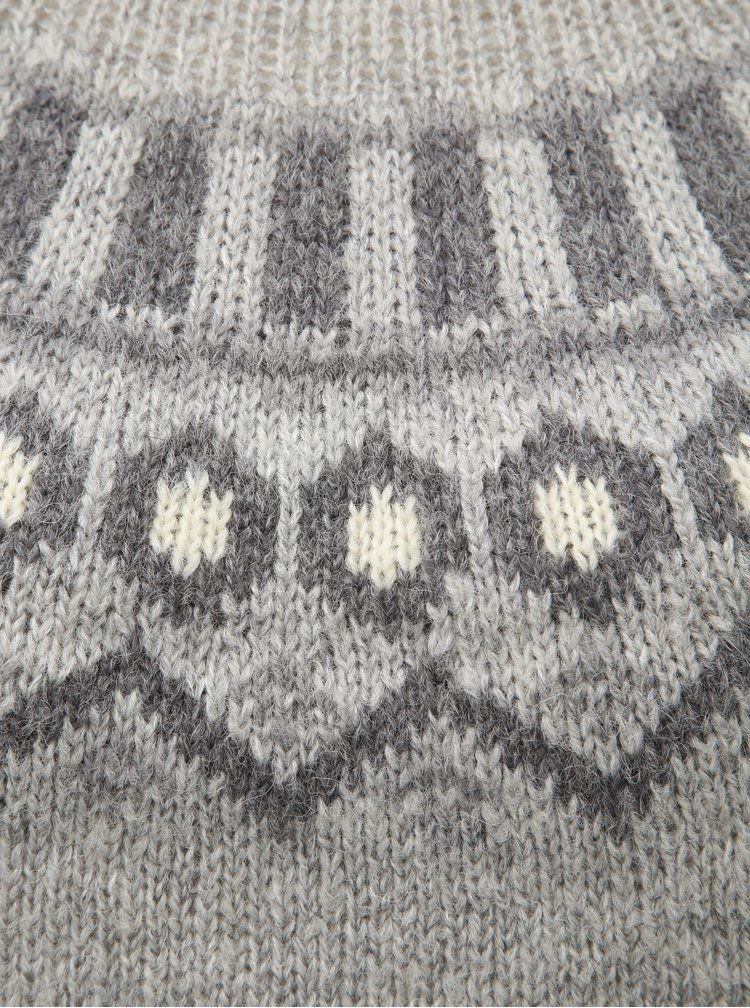 Šedý žíhaný vzorovaný svetr Kari Traa Ringheim
