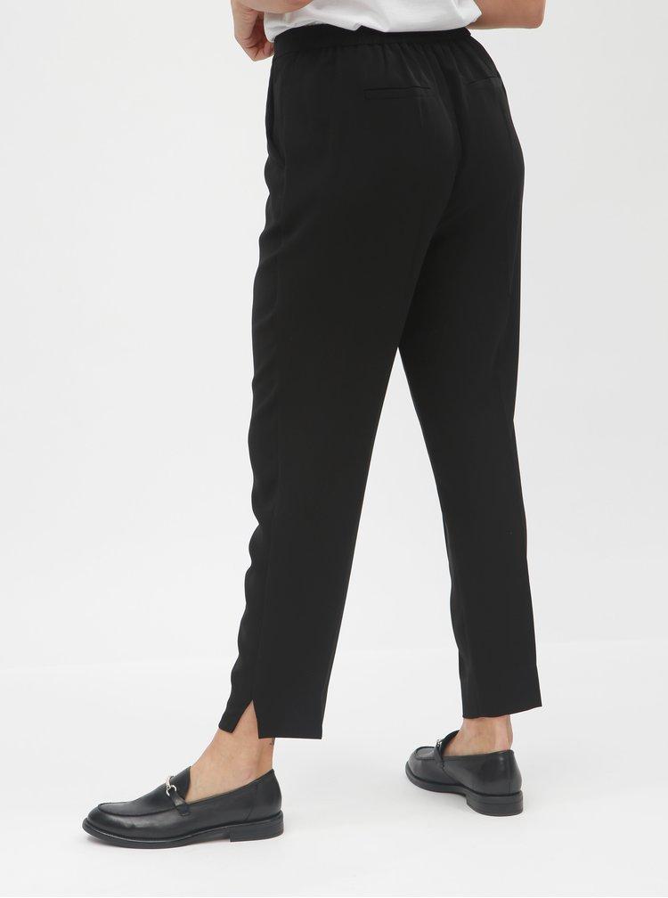Černé zkrácené kalhoty s puky a vysokým pasem VERO MODA Hanna