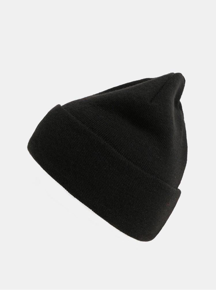 Černá unisex čepice s nášivkou NUGGET Bandit