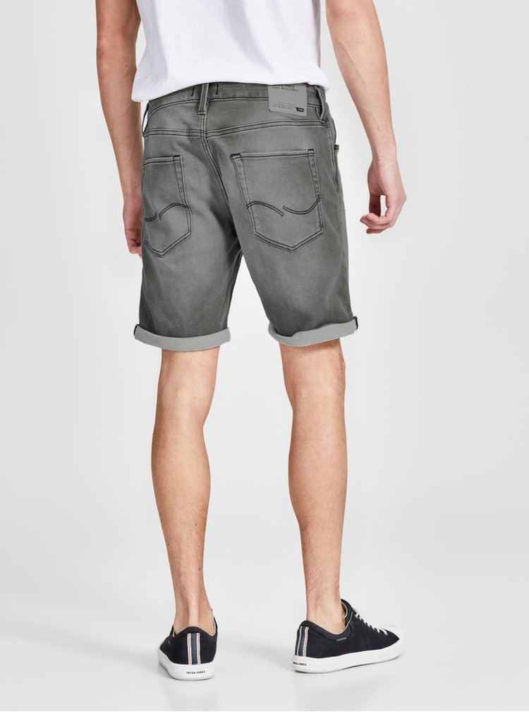 Pantaloni scurti din denim regular fit gri cu aspect prespalat si deteriorat - Jack & Jones Rick