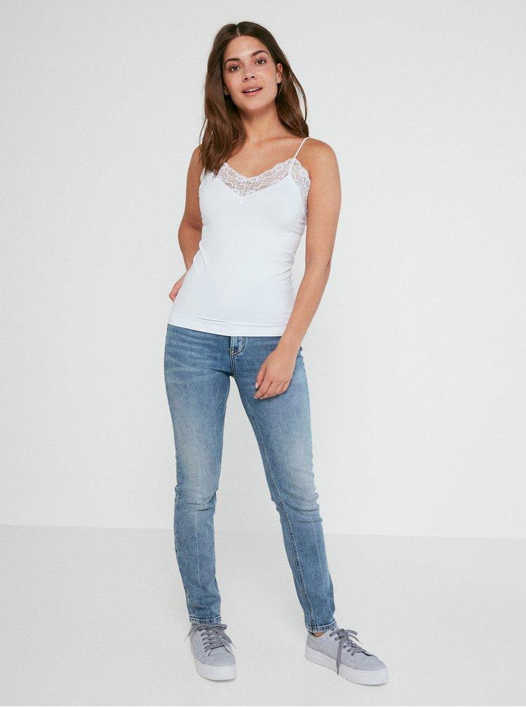 Bílá bezešvá košilka na ramínka s krajkovými detaily Pieces Toloa