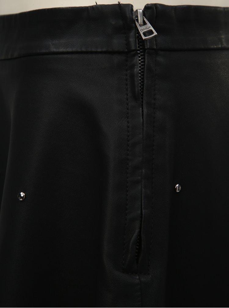 Černá koženková sukně s kovovou aplikací ONLY Fia