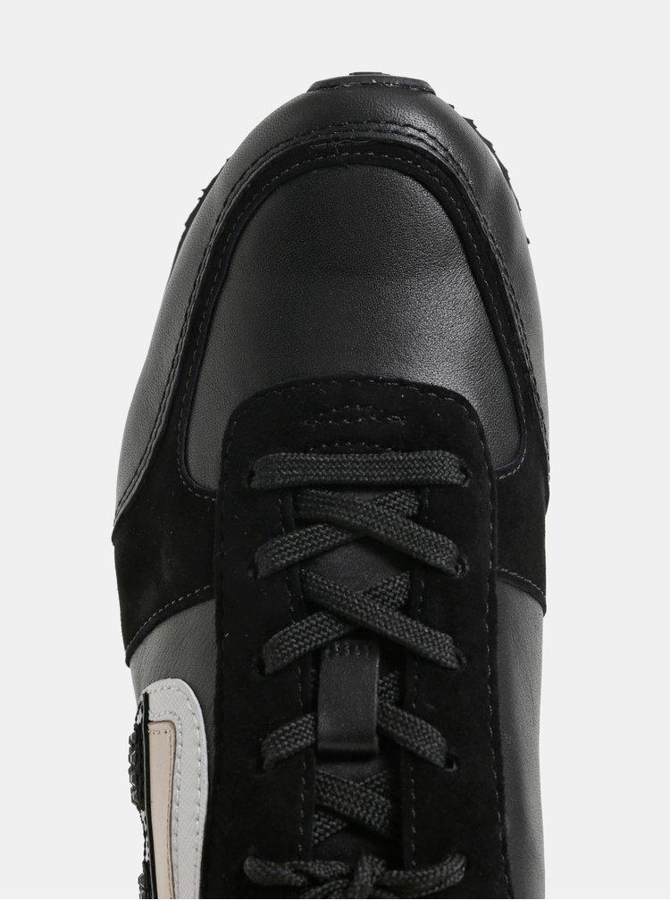 Čierne kožené tenisky s motívom a semišovými detailmi KARL LAGERFELD