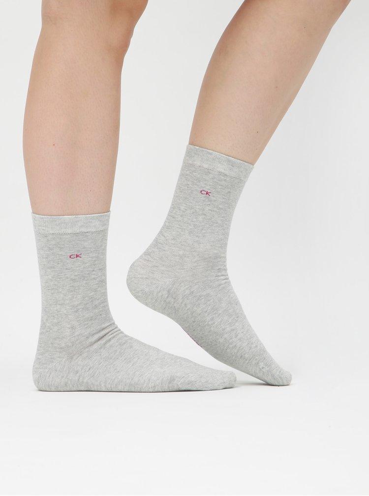 Sada tří párů dámských ponožek v šedé a růžové barvě a v dárkové krabičce Calvin Klein Jeans