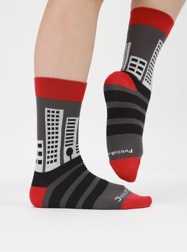 Červeno-šedé ponožky Fusakle Pééétržka