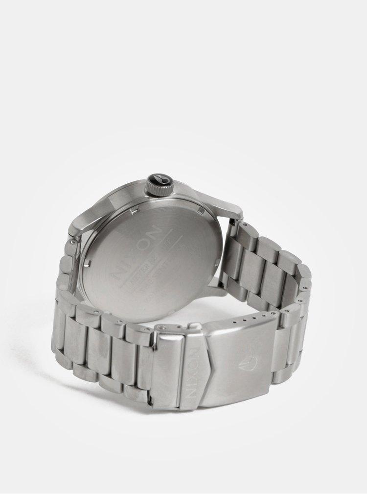 Pánské hodinky s nerezovým páskem ve stříbrné barvě NIXON