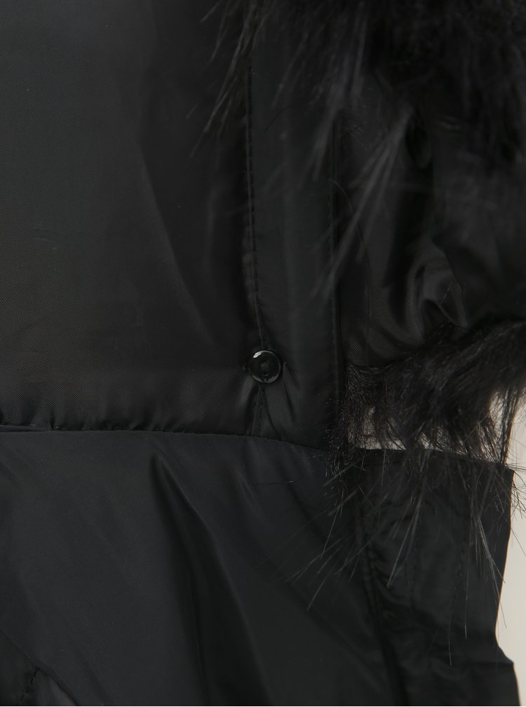 Černý prošívaný kabát s odnímatelným kožíškem na kapuci TALLY WEiJL