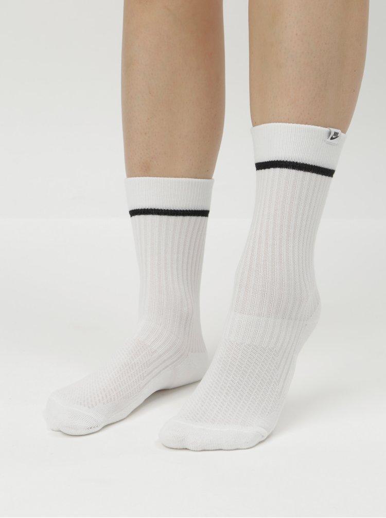Sada dvou dámských bílých ponožek s černým proužkem Nike