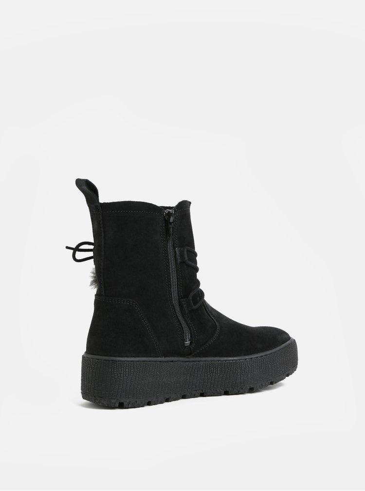 Čierne semišové členkové zimné topánky na platforme Tamaris