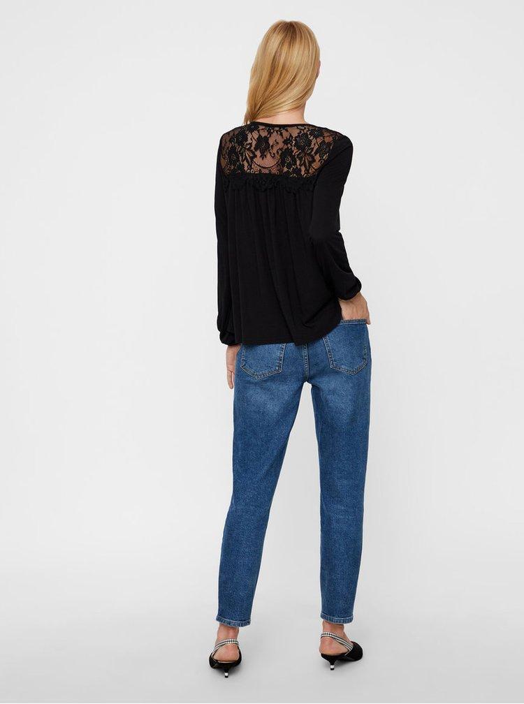 Čierne tričko s čipkovaným sedlom VERO MODA