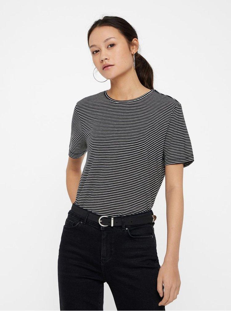 b96d0de0cebd Bielo–čierne pruhované basic tričko s krátkym rukávom VERO MODA AWARE Mava