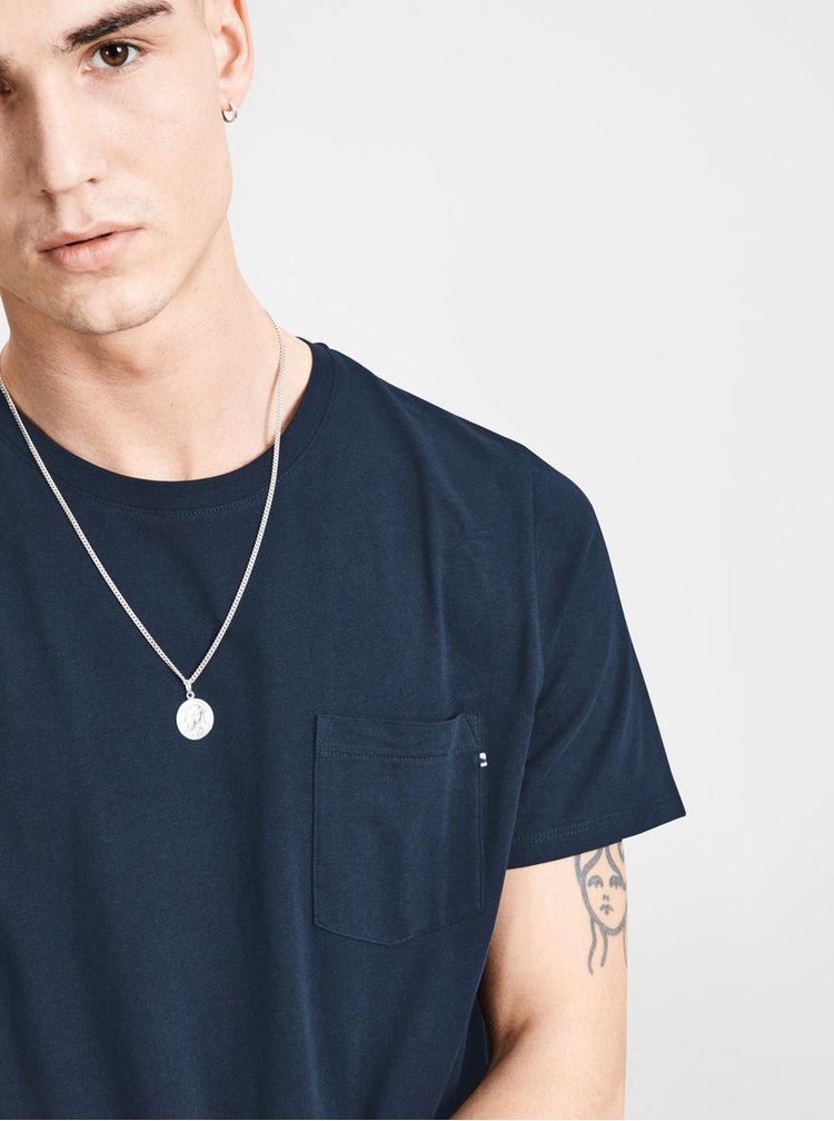 Tmavě modré slim fit tričko s náprsní kapsou Jack & Jones