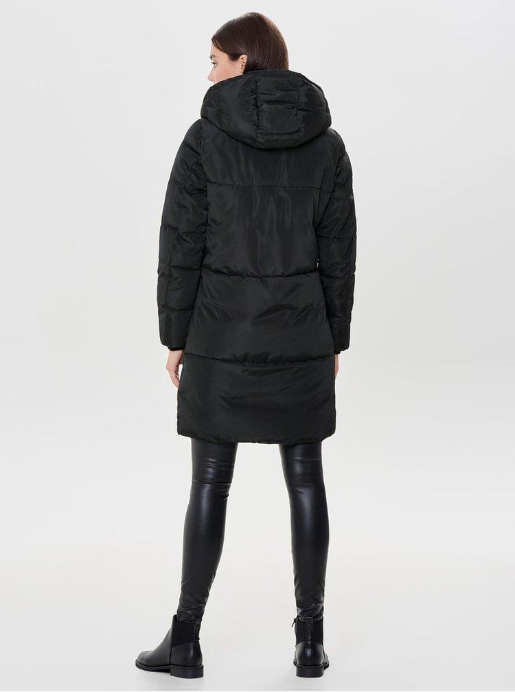 Černý prošívaný zimní kabát ONLY Elin
