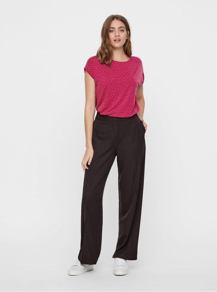 Tmavě růžové puntíkované volné tričko s krátkým rukávem VERO MODA AWARE Plain