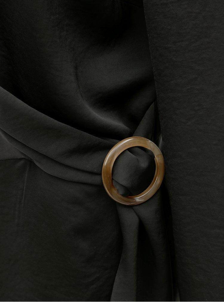 Černá halenka s ozdobnou sponou Dorothy Perkins