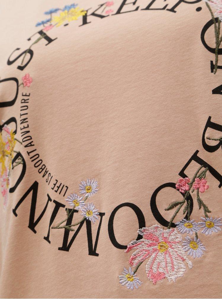 Tricou roz cu broderie si imprimeu ONLY Kita
