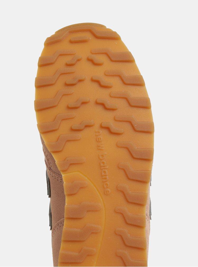 Pantofi sport roz prafuit de dama din piele intoarsa New Balance 373