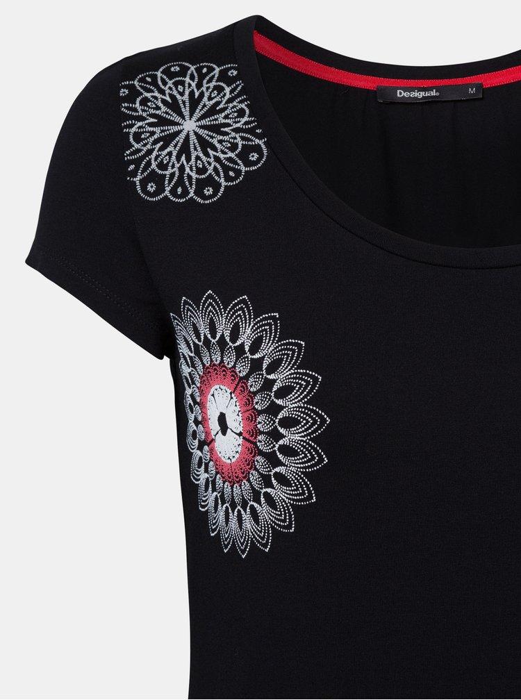 Černé tričko s potiskem Desigual Sonja