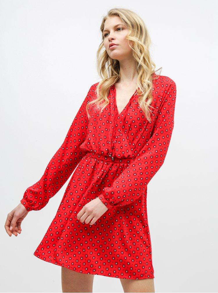 Červené vzorované šaty s překládaným výstřihem ONLY Vicky