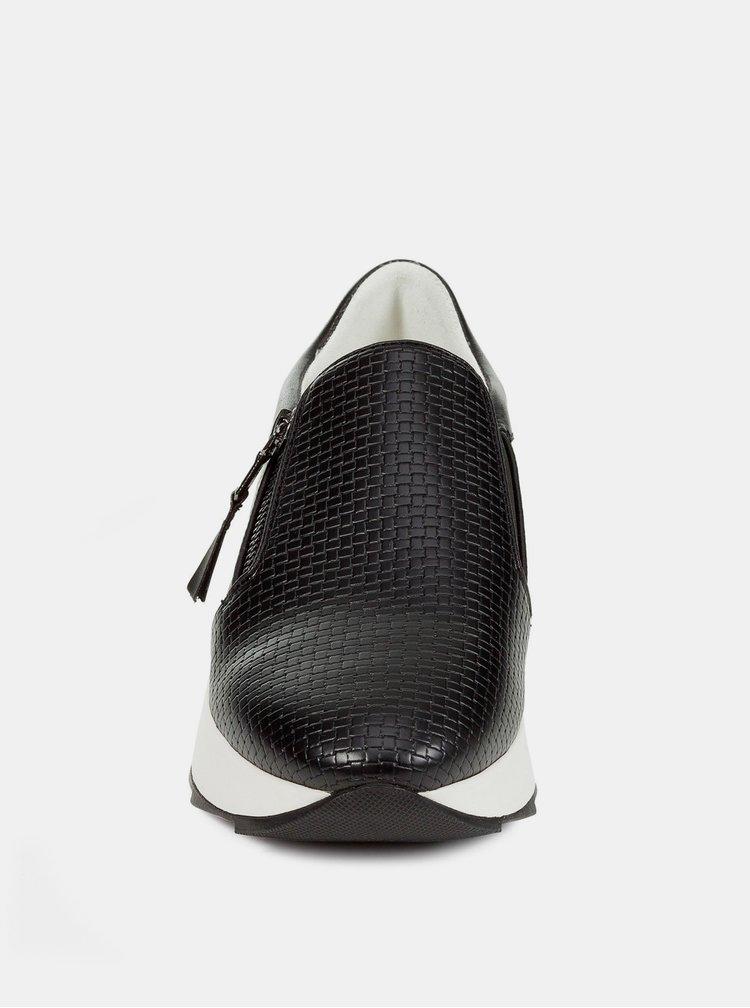 Čierne dámske slip on s koženými detailmi Geox Gendry