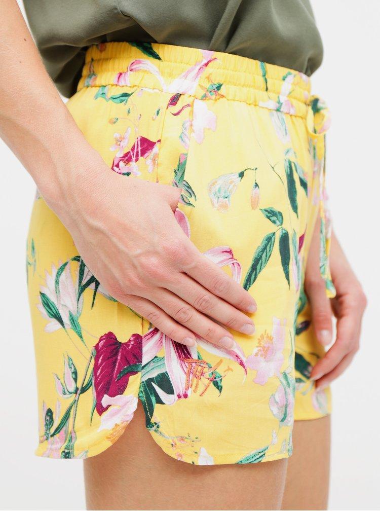 Žluté květované kraťasy VERO MODA Simply Easy