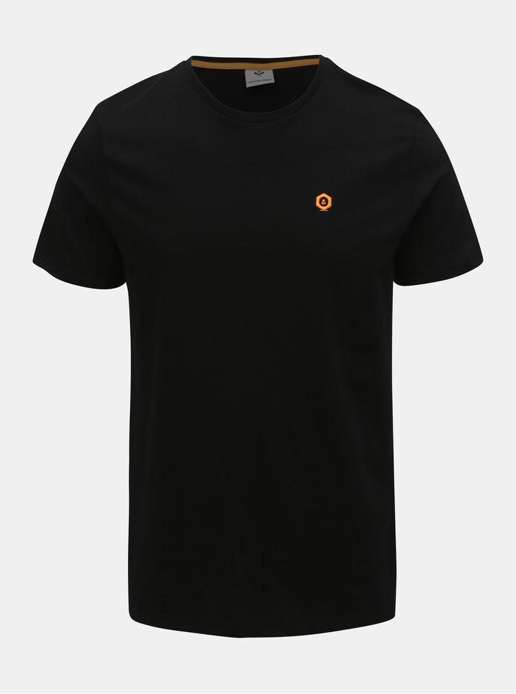 Čierne slim fit tričko Jack & Jones Boston