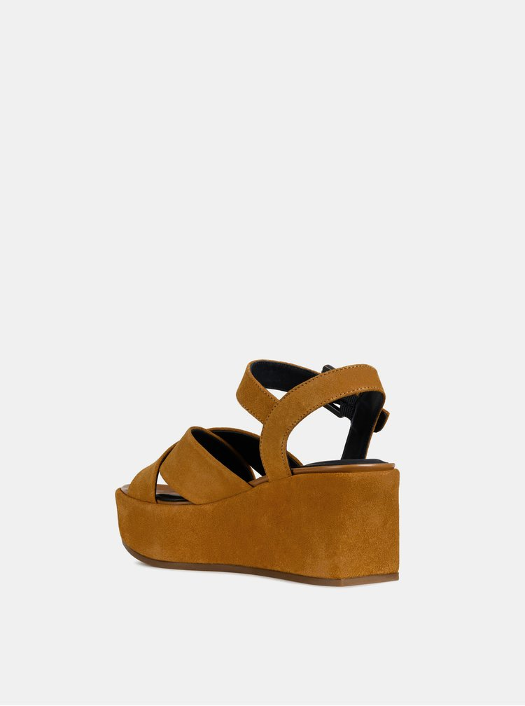 Hnedé dámske semišové sandále na platforme Geox Zerfie