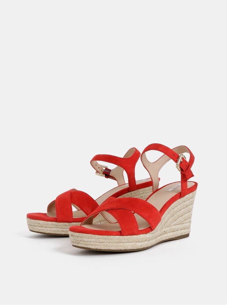 Červené dámske semišové sandálky Geox Soleil