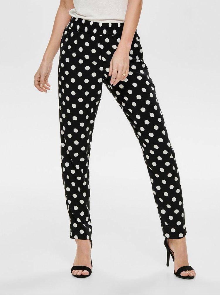Čierne bodkované nohavice Jacqueline de Yong Star