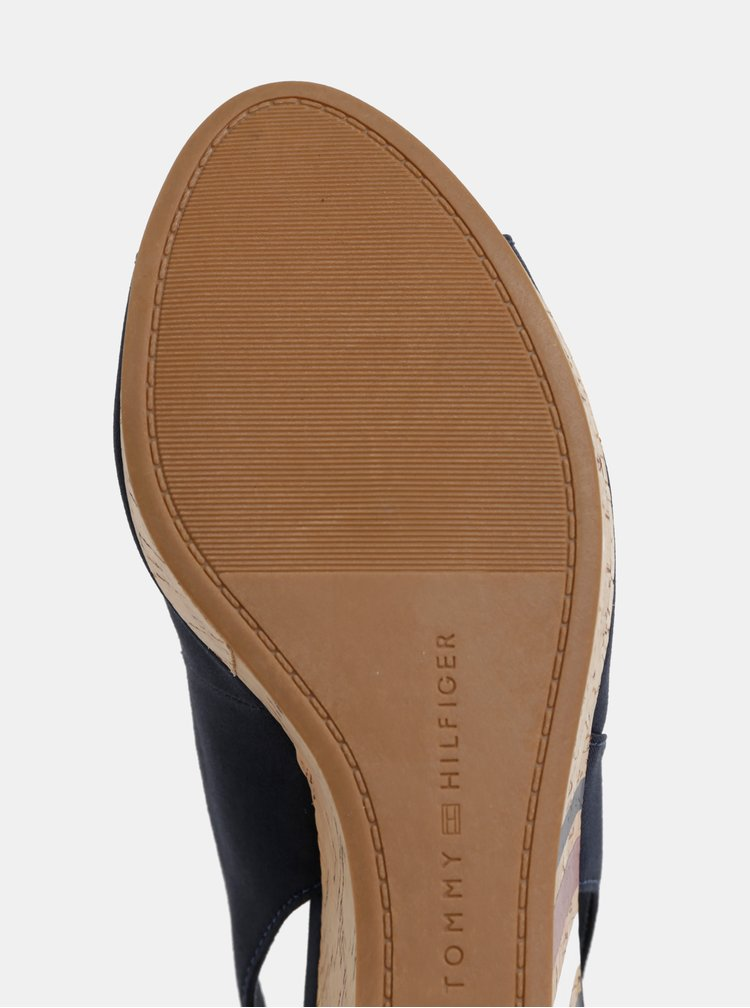 Tmavomodré sandálke na plnom podpätku Tommy Hilfiger