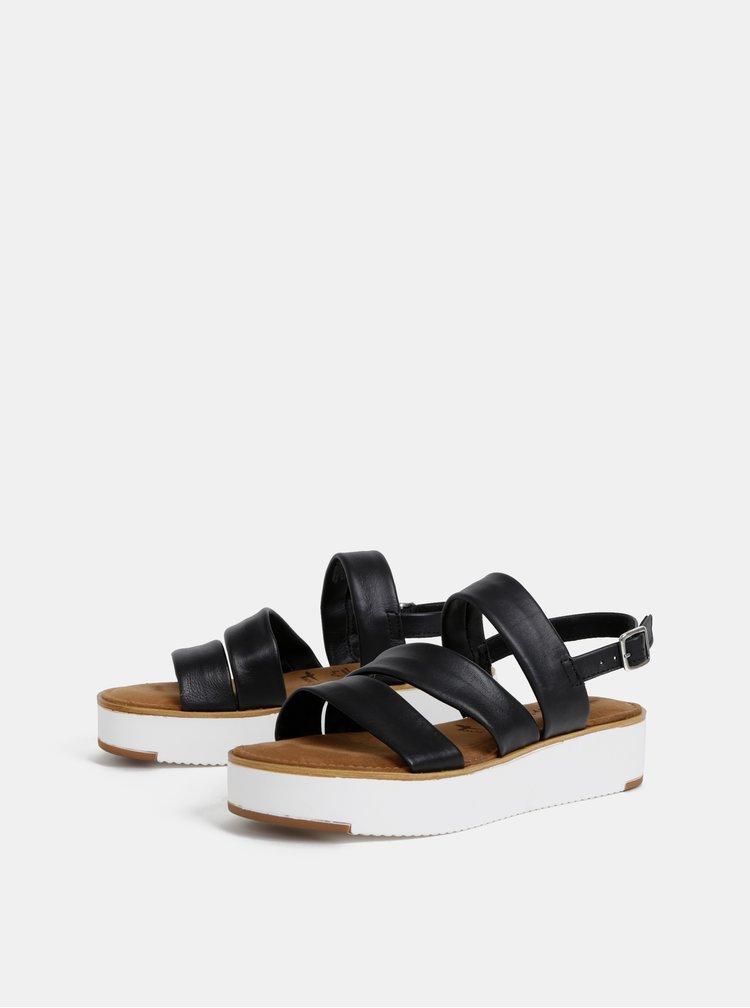 Čierne kožené sandále na platforme Tamaris