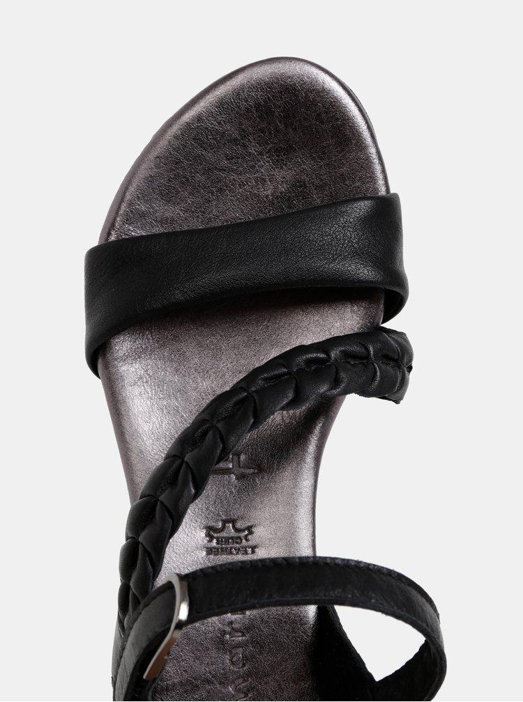 Čierne kožené sandále na plnom podpätku Tamaris