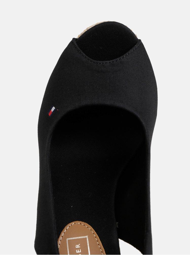 Čierne sandále na plnom podpätku Tommy Hilfiger