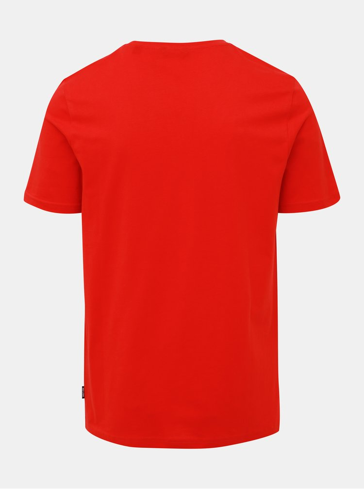 Tricouri