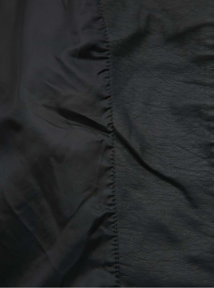 Černý koženkový křivák VERO MODA Ria