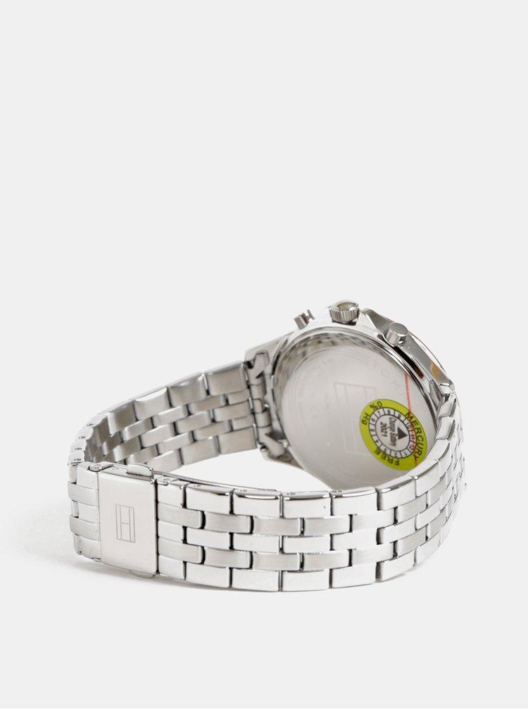 Dámske hodinky s nerezovým remienkom v striebornej farbe Tommy Hilfiger